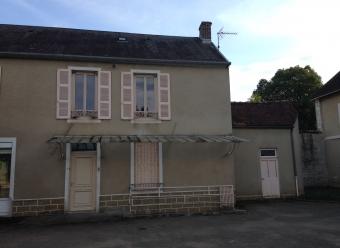 Maison T4 en centre-ville de JOUX LA VILLE