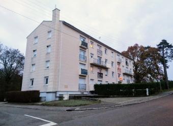 TOUCY - Faux T4 avec balcon