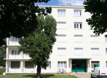 CHABLIS - Appartement T4 avec balcon