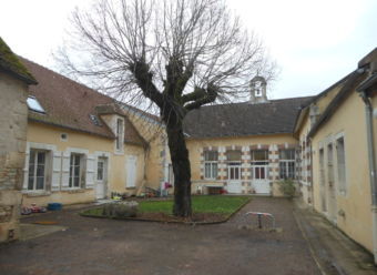 Mailly le Chateau - Type 2 avec terrasse